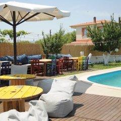 Urla Surf House Турция, Урла - отзывы, цены и фото номеров - забронировать отель Urla Surf House онлайн бассейн фото 3