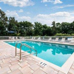 Отель Quality Inn Sarasota North бассейн