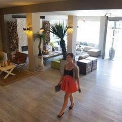 Отель Floris Hotel Bruges Бельгия, Брюгге - 7 отзывов об отеле, цены и фото номеров - забронировать отель Floris Hotel Bruges онлайн спортивное сооружение
