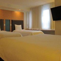Отель Bond Place Hotel Канада, Торонто - 2 отзыва об отеле, цены и фото номеров - забронировать отель Bond Place Hotel онлайн удобства в номере фото 2