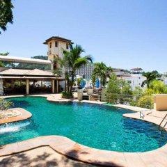 Курортный отель C&N Resort and Spa бассейн