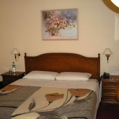 Academy Dnepropetrovsk Hotel комната для гостей