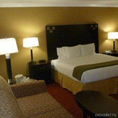 Отель Holiday Inn Express VAN NUYS США, Лос-Анджелес - отзывы, цены и фото номеров - забронировать отель Holiday Inn Express VAN NUYS онлайн комната для гостей фото 2