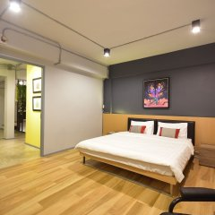The Chatbox Silom Hostel Бангкок комната для гостей