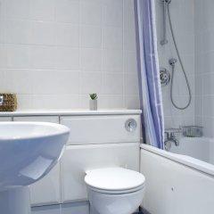 Отель Spacious 1 Bedroom By Finsbury Park Великобритания, Лондон - отзывы, цены и фото номеров - забронировать отель Spacious 1 Bedroom By Finsbury Park онлайн ванная фото 2