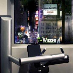 Отель Novotel New York Times Square банкомат
