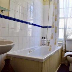 Апартаменты 2 Bedroom Central Maisonette Apartment ванная