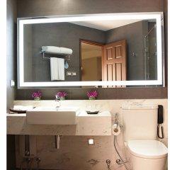 Отель Grand Diamond Suites Hotel Таиланд, Бангкок - отзывы, цены и фото номеров - забронировать отель Grand Diamond Suites Hotel онлайн ванная фото 2