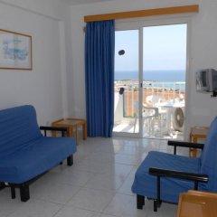 Отель Maistros Hotel Apartments Кипр, Протарас - отзывы, цены и фото номеров - забронировать отель Maistros Hotel Apartments онлайн комната для гостей фото 3