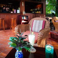 Отель Villa Maydou Boutique Hotel Лаос, Луангпхабанг - отзывы, цены и фото номеров - забронировать отель Villa Maydou Boutique Hotel онлайн гостиничный бар