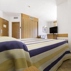 Отель Azuline Hotel - Apartamento Rosamar Испания, Сан-Антони-де-Портмань - отзывы, цены и фото номеров - забронировать отель Azuline Hotel - Apartamento Rosamar онлайн комната для гостей