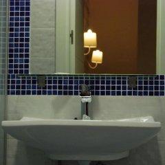 Отель Hostal Atelier Испания, Мадрид - отзывы, цены и фото номеров - забронировать отель Hostal Atelier онлайн ванная фото 2