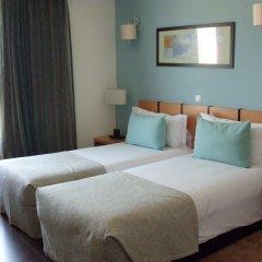 Luna Hotel Zombo комната для гостей