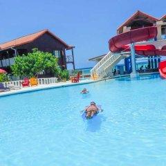 Отель Mangos Boutique Beach Resort бассейн фото 2