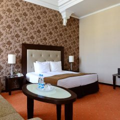 Гостиница Петро Палас 5* Стандартный номер с двуспальной кроватью фото 4