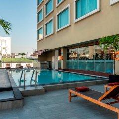 Отель Novotel Bangkok Silom Road бассейн фото 3