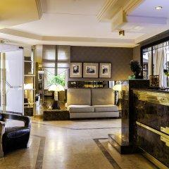 Отель Privilège Hôtel Mermoz Франция, Тулуза - отзывы, цены и фото номеров - забронировать отель Privilège Hôtel Mermoz онлайн интерьер отеля фото 2