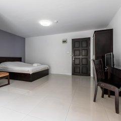 Отель Double Two@Sathorn Бангкок комната для гостей