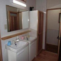 Отель Guesthouse Yakushima Япония, Якусима - отзывы, цены и фото номеров - забронировать отель Guesthouse Yakushima онлайн ванная фото 2