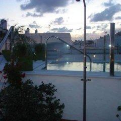 Отель Almadraba Conil Испания, Кониль-де-ла-Фронтера - отзывы, цены и фото номеров - забронировать отель Almadraba Conil онлайн бассейн фото 3