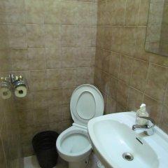 Отель Barcelona City Ramblas (Pensión Canaletas) Испания, Барселона - 1 отзыв об отеле, цены и фото номеров - забронировать отель Barcelona City Ramblas (Pensión Canaletas) онлайн ванная фото 8