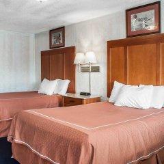 Отель Rodeway Inn & Suites Niagara Falls США, Ниагара-Фолс - отзывы, цены и фото номеров - забронировать отель Rodeway Inn & Suites Niagara Falls онлайн комната для гостей фото 4