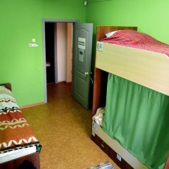 Гостиница Lucomoria Hostel Abakan в Абакане 4 отзыва об отеле, цены и фото номеров - забронировать гостиницу Lucomoria Hostel Abakan онлайн Абакан комната для гостей фото 3