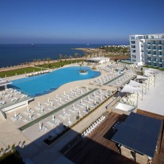 King Evelthon Beach Hotel & Resort бассейн фото 2
