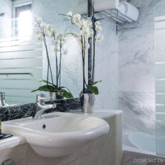 Radisson Blu Park Hotel, Athens ванная