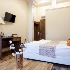 Гостиница Mini-hotel ''Silk Way'' в Санкт-Петербурге 7 отзывов об отеле, цены и фото номеров - забронировать гостиницу Mini-hotel ''Silk Way'' онлайн Санкт-Петербург удобства в номере фото 2