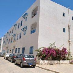Отель Residence Ben Sedrine Тунис, Мидун - отзывы, цены и фото номеров - забронировать отель Residence Ben Sedrine онлайн парковка