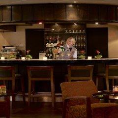 Отель Mövenpick Hotel Nürnberg Airport Германия, Нюрнберг - отзывы, цены и фото номеров - забронировать отель Mövenpick Hotel Nürnberg Airport онлайн гостиничный бар