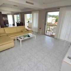 Отель Rawai Condominium by bayshore Пхукет комната для гостей