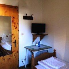 Hotel Aquila Nera - Schwarzer Adler Випитено удобства в номере фото 2