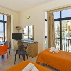 Отель Rokna Hotel Мальта, Сан Джулианс - 1 отзыв об отеле, цены и фото номеров - забронировать отель Rokna Hotel онлайн удобства в номере фото 2