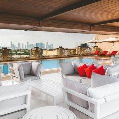 Отель Hilton Garden Inn Dubai Al Jadaf Culture Village ОАЭ, Дубай - 1 отзыв об отеле, цены и фото номеров - забронировать отель Hilton Garden Inn Dubai Al Jadaf Culture Village онлайн бассейн фото 3