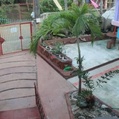 Отель Edam & Ace Hostel Palawan Филиппины, Пуэрто-Принцеса - отзывы, цены и фото номеров - забронировать отель Edam & Ace Hostel Palawan онлайн балкон