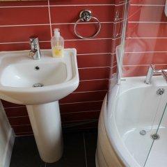 Отель Orillia House B&B & Holiday Cottages ванная фото 2