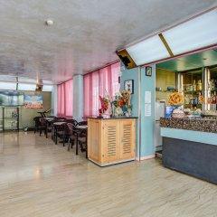 Отель Eiffel Римини гостиничный бар