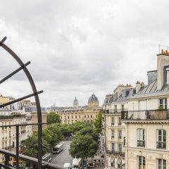 Отель Alberginn Suites Rivoli Les Halles Париж балкон