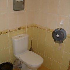 Гостиница Эконом Отель Украина, Донецк - отзывы, цены и фото номеров - забронировать гостиницу Эконом Отель онлайн ванная