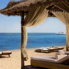 Отель Sharq Village & Spa пляж