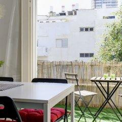 1 Bedroom Apartment With Balcony Израиль, Тель-Авив - отзывы, цены и фото номеров - забронировать отель 1 Bedroom Apartment With Balcony онлайн балкон