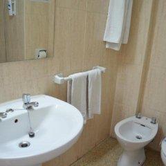 Отель Linda Испания, Пальма-де-Майорка - 4 отзыва об отеле, цены и фото номеров - забронировать отель Linda онлайн ванная фото 2