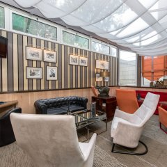 Отель Privilège Hôtel Mermoz Франция, Тулуза - отзывы, цены и фото номеров - забронировать отель Privilège Hôtel Mermoz онлайн интерьер отеля