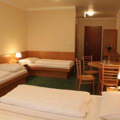 Отель POPELKA Прага сейф в номере