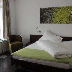 City West Hotel & Restaurant сейф в номере