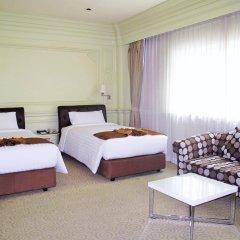 Отель Kingston Suites Bangkok комната для гостей