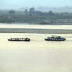 Ayarwaddy River View Hotel фото 4