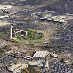 Отель Newark Liberty International Airport Marriott США, Ньюарк - отзывы, цены и фото номеров - забронировать отель Newark Liberty International Airport Marriott онлайн спортивное сооружение